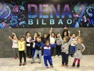 Beneficios del baile moderno para txikis de mas de 2 anos
