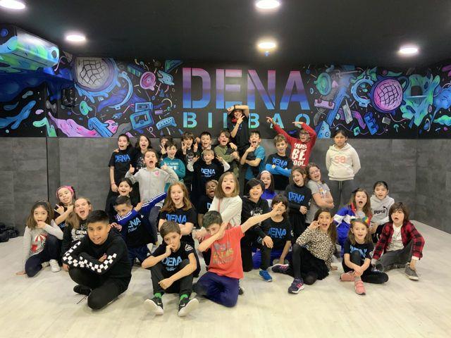 academia de baile para niños DENA BILBAO